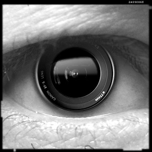 eye-with-camera